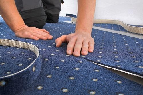 Exaktes Aufmaß des Teppichs
